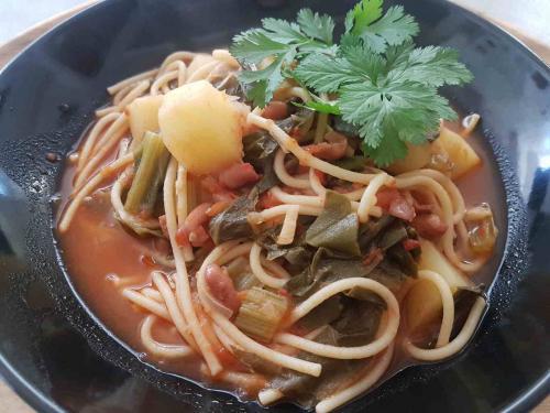 Spinach Potato Borlotti Beans with Spaghetti